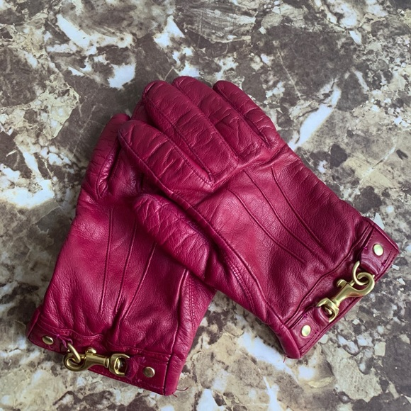 Coach Wine Leather Gloves